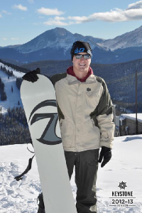 fitnesstexter Owner Patrick Jones Snowboarding in Keystone